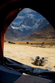 Me lever le matin et admirer la vue depuis ma tente de fortune, avec l'homme que j'aime