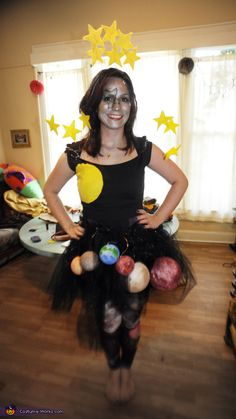 Universe Costume I've heard of little kids and pregnant ladies dressing up as the solar system for Halloween. I wanted to take that costume idea and make it a little s… Homemade Costumes, Diy Costumes, Adult Costumes, Costumes For Women, Space Costumes, Family Costumes, Halloween Costume Contest, Halloween Diy, Miss Universe Costumes