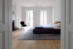 Bellevue House, Sydney by Luigi Rosselli: Bellevue House, Sydney by Luigi Rosselli - Bedroom Home Bedroom, Modern Bedroom, Bedroom Decor, Bedrooms, Master Bedroom, Tranquil Bedroom, Clean Bedroom, Bedroom Rugs, Bedroom Inspo