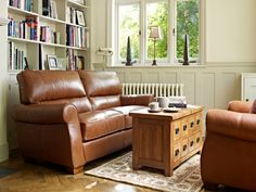 Like the wall color with the tan leather sofa. Leather Sofas Uk, Blue Leather Sofa, Vintage Leather Sofa, 3 Seater Leather Sofa, Leather Corner Sofa, Leather Reclining Sofa, Modern Leather Sofa, Leather Lounge, Sofa Uk