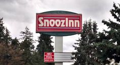 Snooz Inn Wilsonville (Oregon) Within 3 miles of Molalla River State Park, this Wilsonville motel is a 30-minute drive from downtown Portland. It offers free WiFi.  Each air-conditioned guest room is decorated in a traditional style at the Snooz Inn.