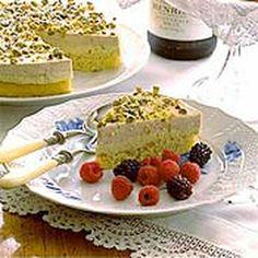 pistachio genoise