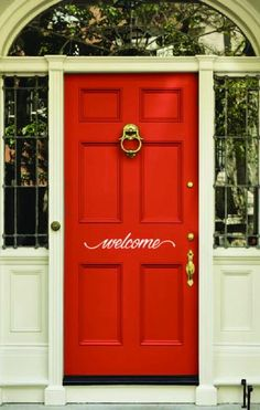 Front Door Paint Colors - Want a quick makeover? Paint your front door a different color. Here a pretty front door color ideas to improve your home's curb appeal and add more style! Coral Front Doors, Best Front Door Colors, Unique Front Doors, Best Front Doors, Front Door Paint Colors, Painted Front Doors, Front Door Design, Front Entry, Coral Door