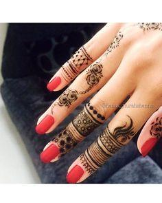 Henna by Nurahshenna Simple Henna Tattoo, Henna Tattoo Hand, Henna Mehndi, Hand Tattoos, Arabic Henna, Tatoos, Henna Art, Mehendi, Tattoo Art