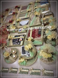 Indian Wedding Gifts, Creative Wedding Gifts, Desi Wedding Decor, Diy Wedding Backdrop, Indian Wedding Decorations, Wedding Crafts, Bridal Gift Wrapping Ideas, Wedding Gift Baskets, Wedding Gift Boxes