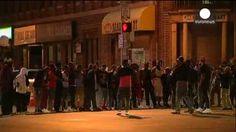 Baltimore se manifiesta en paz contra la violencia policial y pide justicia
