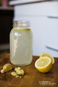 Varm citron och ingefäradryck