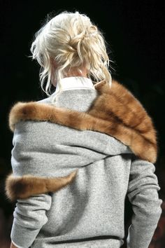 Reversible cashmere/fur shrug - Michael Kors Spring 2014 RTW - Details - Fashion Week - Runway, Fashion Shows and Collections - Vogue Moda Fashion, Fur Fashion, Fashion Details, Winter Fashion, Fashion Show, Fashion Stores, Trendy Fashion, Runway Fashion, Fashion Outfits