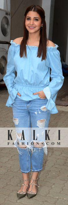 Anushka Sharma had all eyes look at her in awe as she gave casual a new definition with her off shoulder blue top and rugged jeans Bollywood Heroine, Bollywood Fashion, Bollywood Actress, Bollywood Stars, Western Dresses, Western Wear, Blue Top Outfit, Casual Work Attire, Casual Outfits