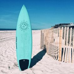 Surfing holidays is a surfing vlog with instructional surf videos, fails and big waves Summer Vibes, Summer Feeling, Summer Beach, Sunny Beach, Beach Aesthetic, Summer Aesthetic, Surfboard Art, Skateboard Art, Beach House Style