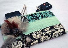 Boho Feather And Chain Pleated Clutch Purse