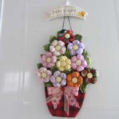 Arranjo com flores de fuxico - Pesquisa Google