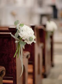 pew decoration idea--like the simplicity. Can a ribbon this small be used with a combination of white stock and misty blue? maybe alternating down the aisle or together?