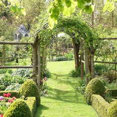 The Top 10 Secret Gardens In The UK- Cerney House Cotswalds