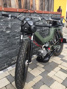 Motorcycle Types, Bobber Motorcycle, Motorcycle Garage, Motorcycle Design, Bike Design, Custom Moped, Custom Bikes, Puch Maxi S, Puch Moped