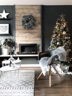 Inšpirácie na vianočný stromček: Stromček zladený ... | DOMA.SK Living Room Inspiration, Interior Inspiration, Interior Styling, Interior Design, Living Room Goals, Christmas Interiors, My Room, Modern Design, House Styles