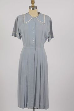 vintage 1930s 30s blue cotton dress with lace