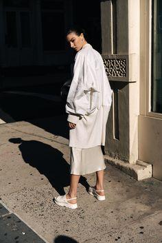 Harper's Bazaar Serbia January 2017 Jacquelyn Jablonski by Paul McLean - Fashion Editorials