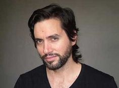 Coraje Ávalos es un actor argentino, quien actualmente interpreta a Nacho Molina Montes, el médico de Adrián Suar, en Solamente Vos, la nueva novela de El Trece.    http://robertoramasso.com/coraje-avalos/