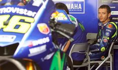 MotoGP: Rossi mungkin kembali bermula Ahad ini.   LONDON: Legenda MotoGP Itali Valentino Rossi bersedia untuk kembali berlumba di Grand Prix (GP) Sepanyol hujung minggu ini selepas tiga minggu berehat susulan proses pemulihan kaki kanannya yang patah.  Semalam penunggang berusia 38 tahun itu menjalani sesi latihan dengan melakukan beberapa pusingan di Litar Misano berdekatan kediamannya dengan menunggang jentera YZF-R1M.  Doktor menasihatkan pelumba pasukan Yamaha itu untuk berehat bagi…