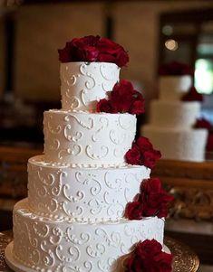 Classic Elegant Wedding Cakes / www. - Wedding cakes , Classic Elegant Wedding Cakes / www. Classic Elegant Wedding Cakes / www. Burgundy Wedding Cake, Purple Wedding Cakes, Elegant Wedding Cakes, Beautiful Wedding Cakes, Wedding Cake Designs, Wedding Cake Toppers, Wedding Colors, Trendy Wedding, Wedding Ideas