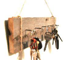 Wall Key holder - Reclaimed wood - Cabin Decor - Barnwood Key rack Easy DIY