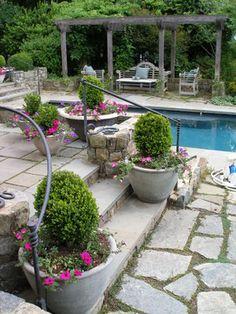 Patio Flower Pots And Planters Design, Pictures, Remodel, Decor and Ideas Patio Design, Garden Design, Brick Design, Landscape Design, Small Garden Shrubs, Patio Stairs, Deck Planters, Pot Jardin, Garden Landscaping