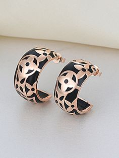 So Pretty! Black and Rose Gold Floral Pattern Earrings