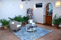 Hostal La Fonda Conil de la Frontera Set in the City-Centre district in Conil de la Frontera, 34 km from Cádiz, Hostal La Fonda features free WiFi access and free private parking.  The rooms are equipped with a flat-screen TV.  There is a tour desk at the property.