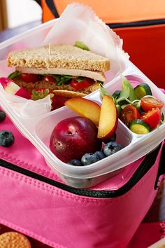 Project LunchBox: Pack Healthy School Lunches for Us & Our Children | FamilyFreshCooking.com — Family Fresh Cooking!  Repinned by Aline