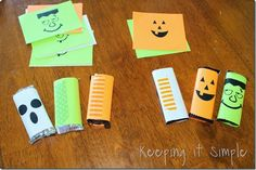 Halloween Candy Bars with free printable.  All you have to do is print, cut and tape #pickyourplum #washitape #keepingitsimple #halloween