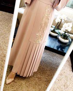 l Deliver worldwide Self-tie sash belt Tights price. Order by whatsaap مجموعة… Wedding Abaya, Hijab Wedding Dresses, Hijab Dress, Hijab Bride, Abaya Fashion, Muslim Fashion, Fashion Dresses, Hijabs, Ramadan