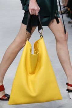 Marni Spring 2016 Ready-to-Wear Fashion Show Details