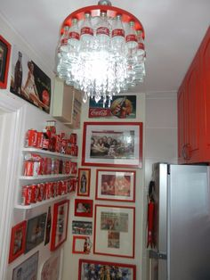 woman named Lillian from Glanmire, County Cork in Ireland has turned her ordinary house into something you might see as a tourist attraction on the inside