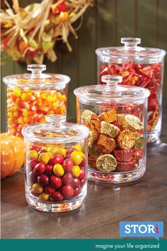 Clear Plastic Apothecary Jars with Lids set of 3 Halloween Candy Bar, Fall Candy, Halloween Party, Fall Apothecary Jars, Edible Centerpieces, Wedding Centerpieces, Halloween Kitchen Decor, Jar Fillers, Detox Kur