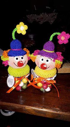 Beginner Crochet Projects, Crochet For Beginners, Crochet Jar Covers, Mason Jars, Crochet Hats, Crafty, Christmas Ornaments, Holiday Decor, Anna