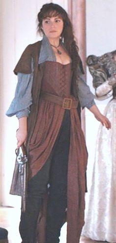 J'aime beaucoup cette tenue de Constance ... I love this Constance outfit ...