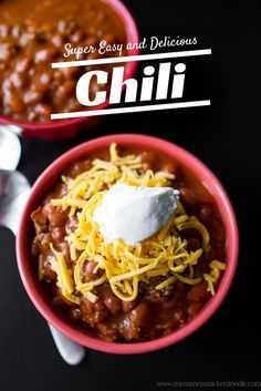 Super Simple and Easy Chili ] Easy and yummy chili! Perfect for those fall night dinners! Easy Stovetop Chili Recipe, Low Carb Chili Recipe, Best Chili Recipe, Chili Recipe For 25 People, Chili Recipe With V8 Juice, Simple Chili Recipe, Soup Recipes, Cooking Recipes, Recipes