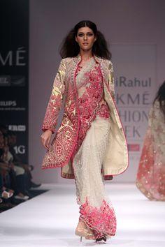 Really like the color combos on this sari.