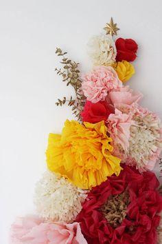 Poppytalk: DIY A Floral Wall Holiday Tree + Paper Flower Tutorials Tissue Flowers, Diy Flowers, Paper Flowers, Branch Decor, Paper Flower Tutorial, Holiday Tree, Floral Wall, Christmas Crafts, Floral Wreath