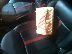 Fiat 500 Gucci edition #NYAutoShowBags #Chanel #handbagchallenge ... I want a Gucci car AND a matching bag!