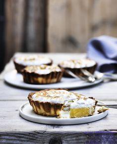 Lav søde franske fristelser i form af fin citrontærte som afslutning på middagen eller som smukt indslag på kagebordet.