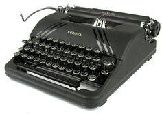Smith Corona Sterling - Slate Gray with polished striping - Antique Typewriter, Typewriter Keys, Portable Typewriter, Vintage Luggage, Vintage Cameras, Vintage Suitcases, Vintage Shops, Vintage Antiques, Vintage Market