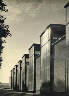 """Production facility of the company """"Borgward"""" (1936) in Bremen, Germany, by Rudolf Lodders"""