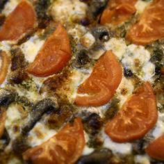 JeanneDôme: Νότια Ιταλία-chez jeanne: Pizza napolitana-Πίτσα Ναπολιτάνα Pepperoni, Vegetarian Recipes, Pizza, Food, Essen, Meals, Yemek, Eten, Vegetable Dip Recipes