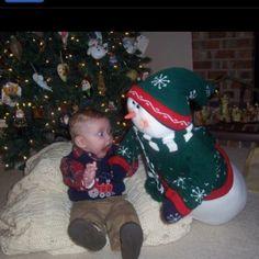 Poor kid - enfant ayant peur du bonhomme de neige