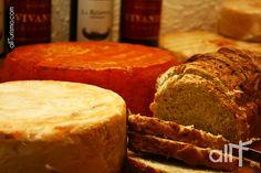 Artesanal cheese, wine & bread... All them in #Tequisquiapan, #Queretaro, #México. http://www.allturismo.com/2013/08/29/la-nueva-cara-de-tequisquiapan/  http://www.allturismo.com/2013/08/27/tequisquiapan-amplia-su-oferta-turistica-para-atraer-mas-visitantes/