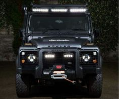 Land Rover Defender 110 Td4 Sw customized BOWLER.