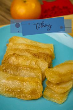 How to Cook Tikoy ( Nian Gao ) - Chinese New Year Recipes. Tikoy or Nian Gao is made of rice flour and usually serve in Chinese New Year. Easy Chicken Recipes, Egg Recipes, Recipies, Snack Recipes, Snacks, Filipino Seafood Recipe, Seafood Recipes, Tikoy Recipe, Nian Gao