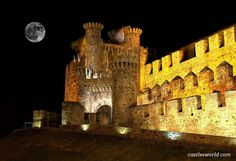 Templar Castle of Ponferrada, Spain At the beginning of the 12th century, the Templars took possession of this fortress and reinforced and extended it to use it as an inhabitable palace and for protection, on the route of the pilgrims on the way to Santiago de Compostela. Its twelve original towers reproduced the shapes of the constellations.